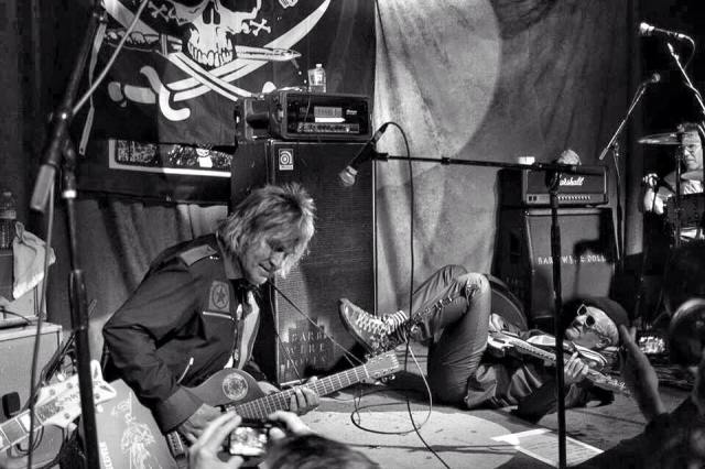Mike Peters and Captain Sensible of Dead Men Walking. Photo Credit: 2015 Paul Pedersen
